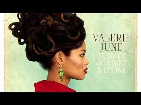 Valerie June - Somebody To Love (Acoustic Version/Bonus Track)