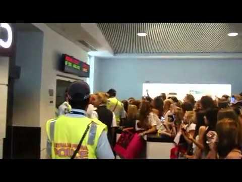 Justin Bieber Arrives at Perth Airport 6/5/2011