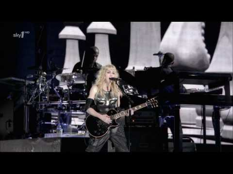 "Madonna - Hung up (with Pantera ""A New Level"" riffs) - Sticky & Sweet Tour 2009 [Sky1 HD]"