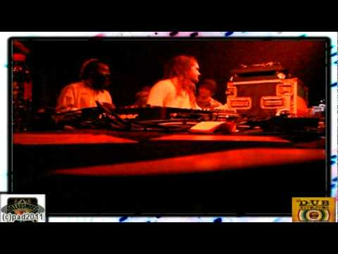 FORWARD FEVER  MEETS HANDS & HEARTS MUSIC FAMILY (uk) - dub di bass vibes \ pt 10 @ cactus 21-10-11