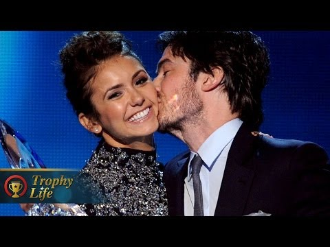 Nina Dobrev and Ian Somerhalder Kiss During People's Choice Awards Speech 2014!
