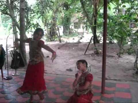 Anu and Devika-Dance.wmv thumbnail