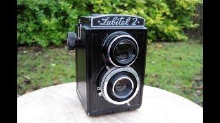 Lubitel 2 Review - Medium Format Lomo TLR Camera