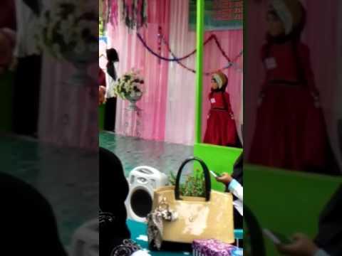 JUARA 1 Fashion Show Busana Muslim Putri 2016