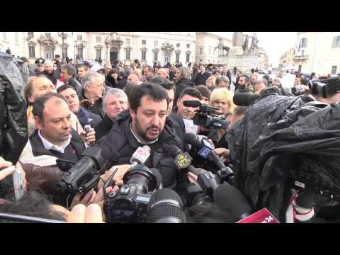 Pensioni - Salvini: da consulta decisione politica, non ci arrendiamo