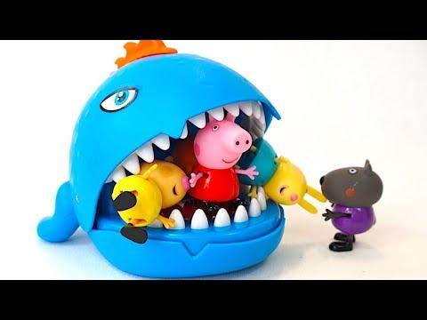 Свинка Пеппа и ее друзья играют с Зубастиком