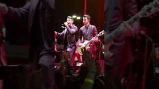 Jonas Brothers - Burning Up (Live At Chasing Happiness Party)