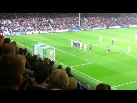 QPR v Man City - Eduardo Vargas overhead kick