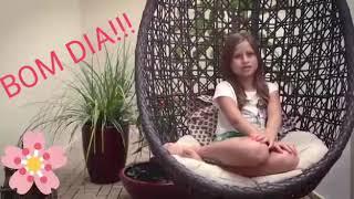 download musica Menina nova cantando em casa no balanço