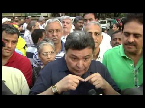 RISHI KAPOOR PROTEST AGAINST HAWKERS