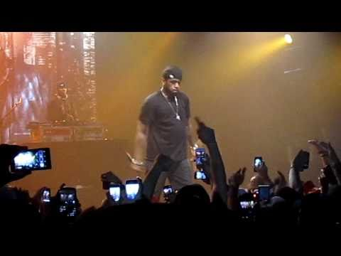 Lloyd Banks performing