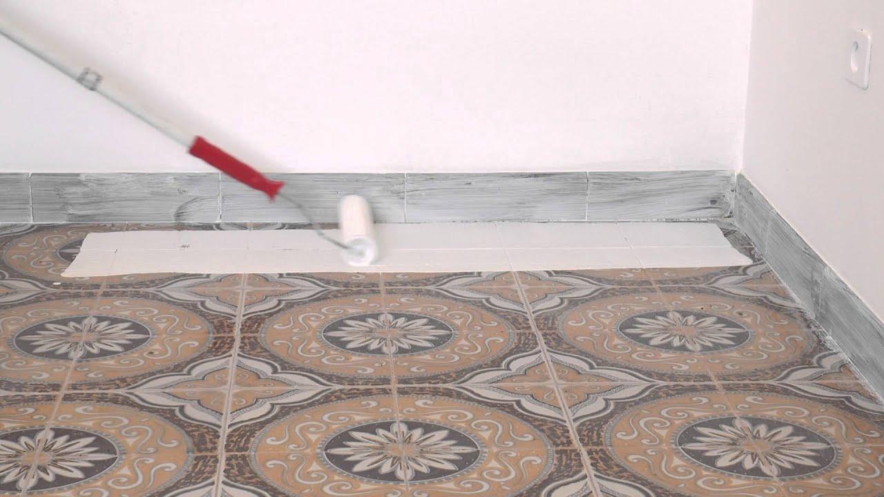 Atriafloor primer applicazione su piastrelle youtube - Posare piastrelle su pavimento esistente ...