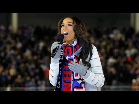 Michelle Williams sings the National Anthem