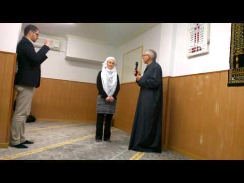In Bilbao woman (origen Czech Republic) Hugs Islam