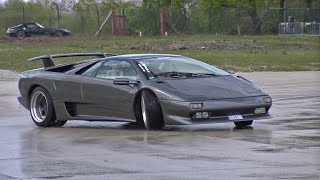 Lamborghini Diablo Trying to DRIFT!