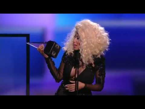 Nicki Wins Favorite Rap/Hip Hop Artist- AMA 2012