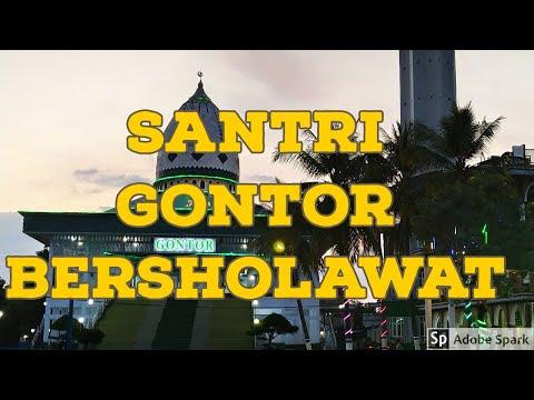 Santri Gontor Bersholawat di Hari Jum'at