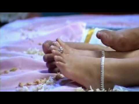 Hot Raasi1 video
