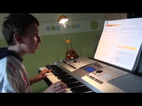 Grzesiu Gra Na Keyboardzie