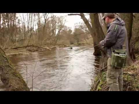 Łowienie pstrągów - Łowienie na burcie i po łuku
