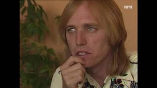 Download Lagu Tom Petty on working with Jeff Lynne, Traveling Wilburys etc (Norwegian TV_1989) Gratis STAFABAND