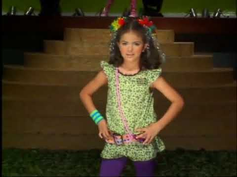 Bicho Comeu e BC Girls - Desfile Primavera-Verão 2008 - parte 2 de 3