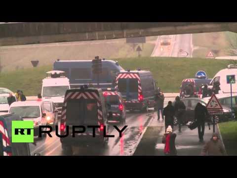 France: BREAKING Police corner Paris attack suspects