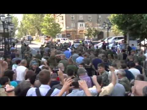 Depraved Donetsk Prisoner Parade: Forced march of captive Ukrainian soldiers may be war crime