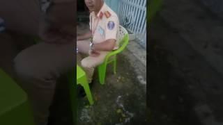 Nguyen hoà suyt an don voi giang ho cua csgt Daklak
