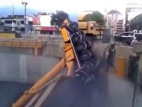 Accidente Dos grúas se desplomaron en las obras del Metro Caracas Venezuela Odebrecht