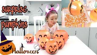 Bé Mở Bí Ngô & 100% Bất Ngờ ! Surprise Pumpkins | Happy Halloween ♥️ Bé Hin