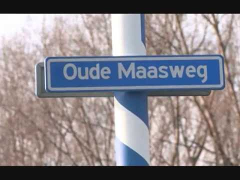 The Amazing Stroopwafels  - Oude Maasweg (with lyrics on clip )