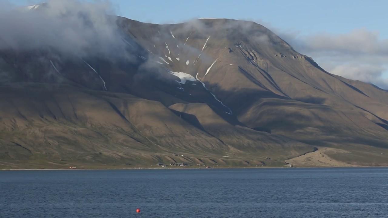 Longyearbyens historie: Hiorthhamn