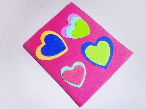 Cómo forrar una mascota o cuaderno con corazones de goma eva - YouTube