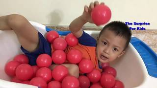 Tung Tom play with Baby and balls pit show | The Surprise For Kids.