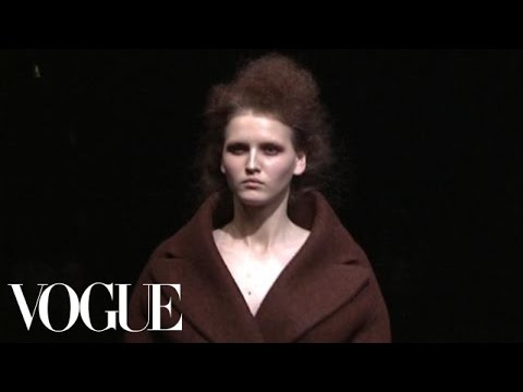 Fashion Show - Prada: Fall 2009 Ready-to-Wear