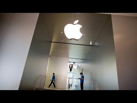 Analysts Downgrade Hewlett Packard; Apple Lifted on Projections; Hilton Gets a Boost