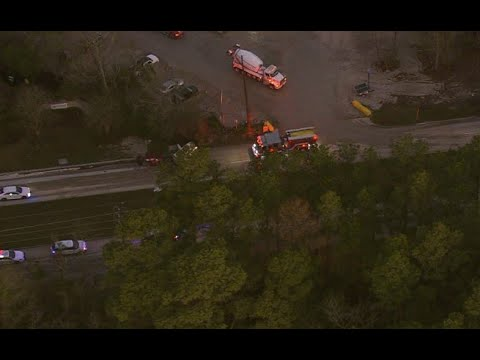 2 dead in multi-vehicle accident on Old Humble Road | Raw video from Air 11
