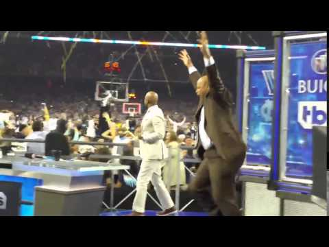 Charles Barkley reaction to Buzzer beater - NCAA Finals - Villanova vs North Carolina 2016