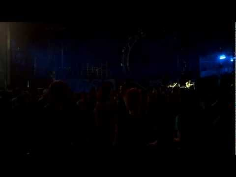Motley Crue - Mick Mars Guitar Solo - Adelaide Clipsal 500 2013