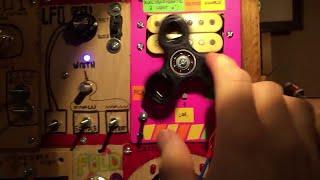 Analog Dubstep Using a Fidget Spinner || ViralHog