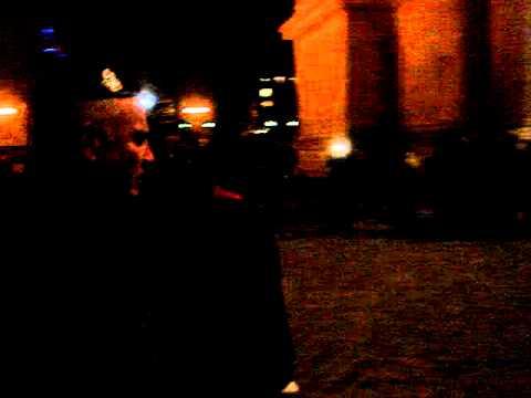 La cérémonie du 2 décembre 2010 à l'Arc de Triomphe