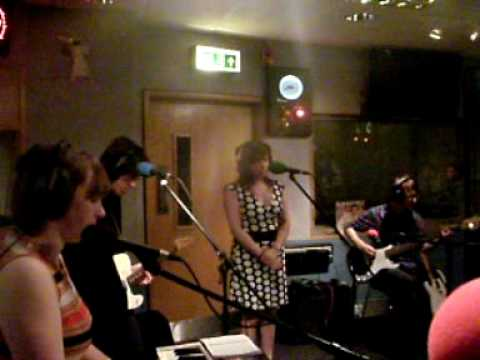 """The Loves """"Guess I'm Falling In Love"""" LIVE on 6 Music"""
