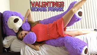 GIANT TEDDY BEAR SCARE PRANK ON GIRLFRIEND! (VALENTINES PRANK)