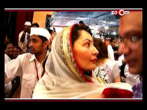 Sonam Kapoor, Anil Kapoor, Manyata Dutt and Madhur Bhandarkar at Lalbaug ha Raja Ganpati - EXCLUSIVE
