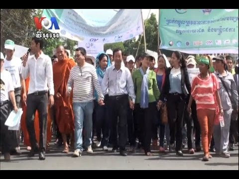 Workers Demand Arrest of Chhouk Bandith