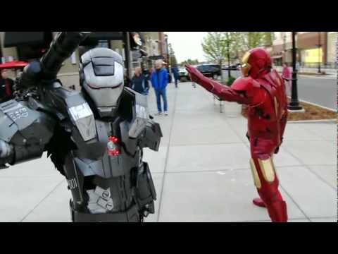 Master Le Cosplay Iron Man 2 MKVI and War Machine fight scene spoof
