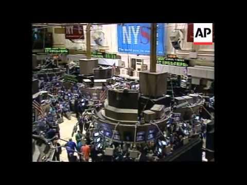 USA: NEW YORK: WALL STREET STOCKS CLOSE AT RECORD HIGH