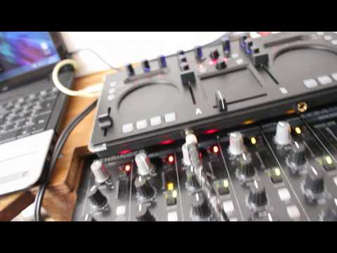 Korg Kaoss Dj controller DEMO with  Native Instrument Traktor and vinyl decks and Virtual DJ
