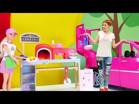 Видео для девочек - Маша, Барби и подружки идут в пиццерию!